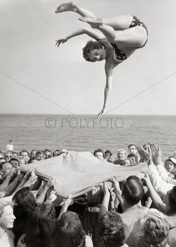 Midt i seiers ritualet, 1959