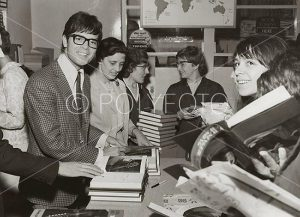 Cliff Richard under boksignering i London 1967