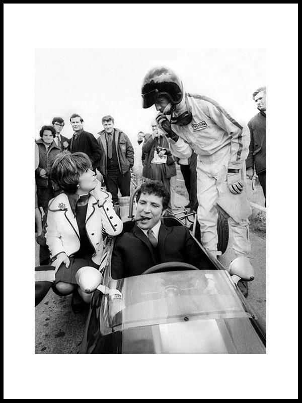 Tom Jones, sigar og racerbil, England 1968