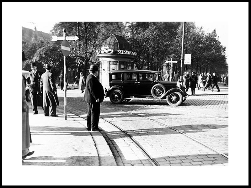 Traffic Outside Oslos Oldest Kiosk