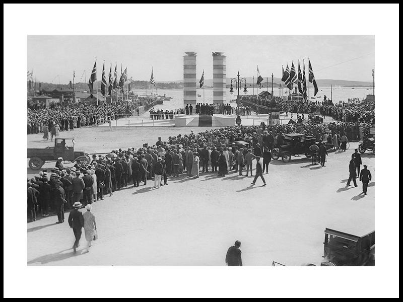 Roald Amundsen Returning Home, 1925