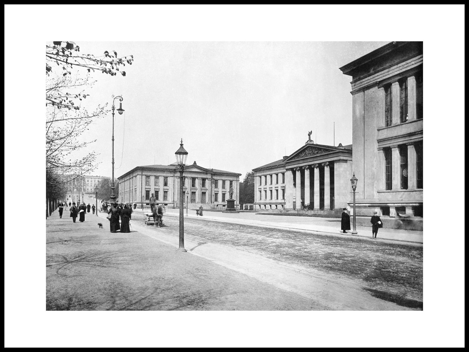 Universitetsplassen I Karl Johans Gate Med Henrik Ibsen